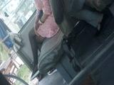 公交车偷拍46岁同学妈妈