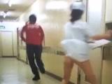 医院里扒起护士的衣服